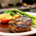 grilled steak with asparagus and gravy