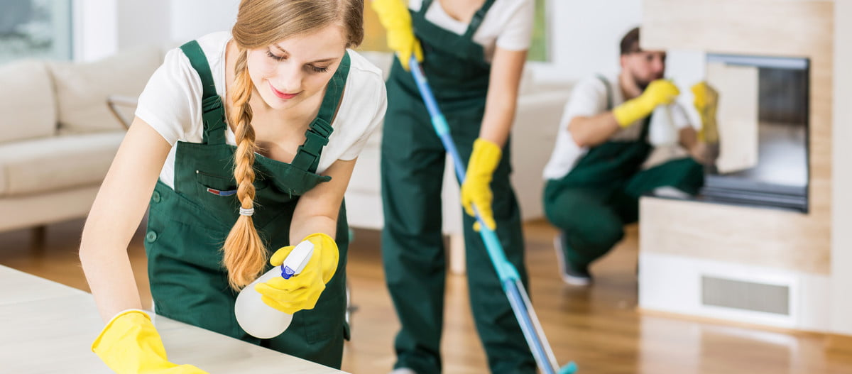 professional cleaning home sale housecleaners polishing