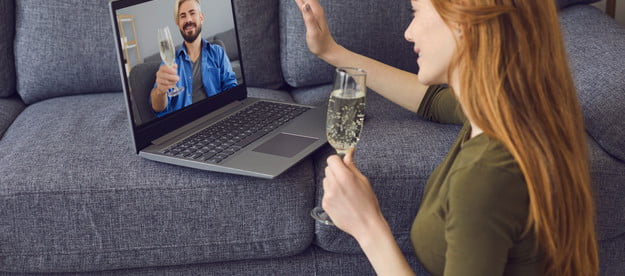 Man and woman virtual date