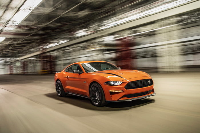ford mustang ecoboost 2020 high performance package 700x467 c