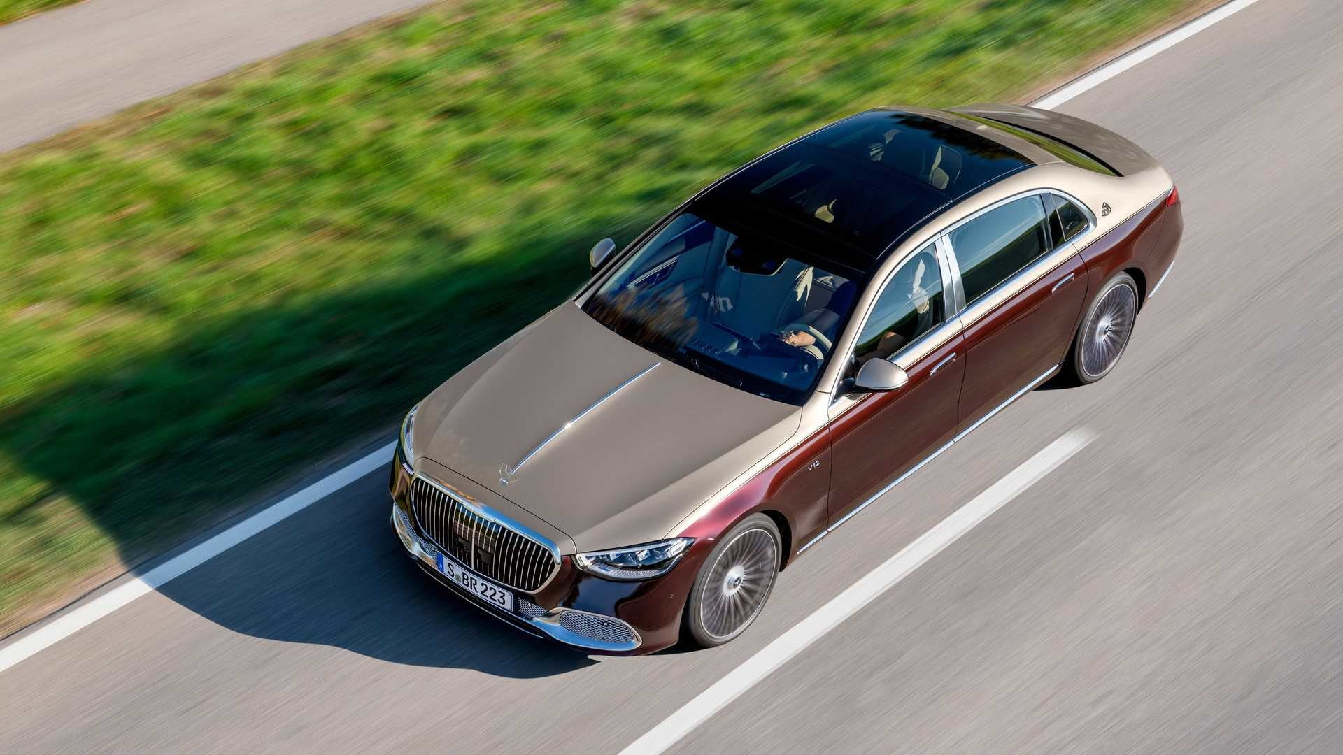 2022 Mercedes-Benz Maybach S680 crystal roof