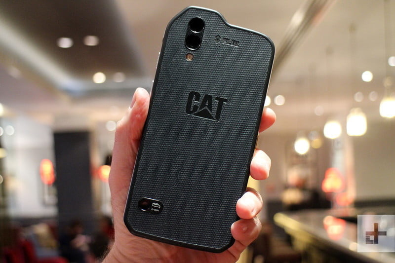 cat s61 android mwc back full 800x533 c