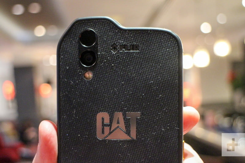 cat s61 android mwc back top 800x533 c