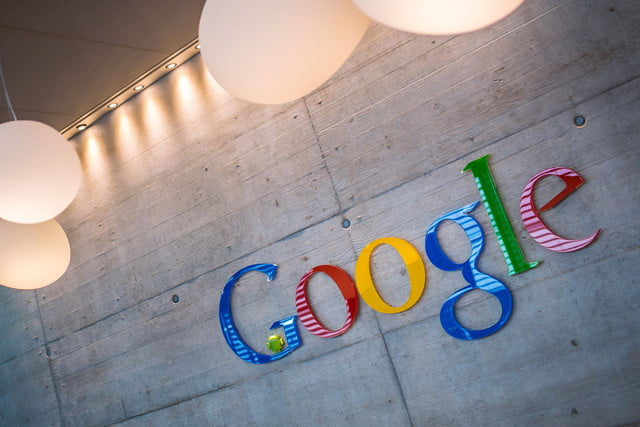 google cambia nombres marcas hq sign headquarters logo name 2 640x0