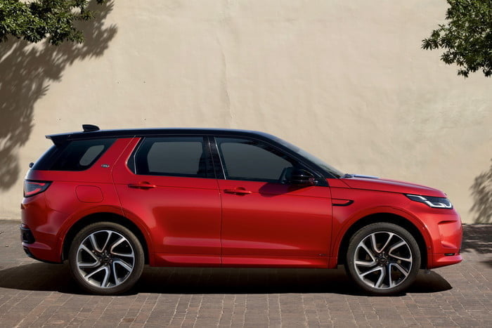 land rover discovery sport 2020 hyperfocal 0 64 700x467 c