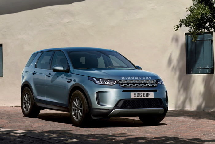 land rover discovery sport 2020 hyperfocal 0 65 700x467 c