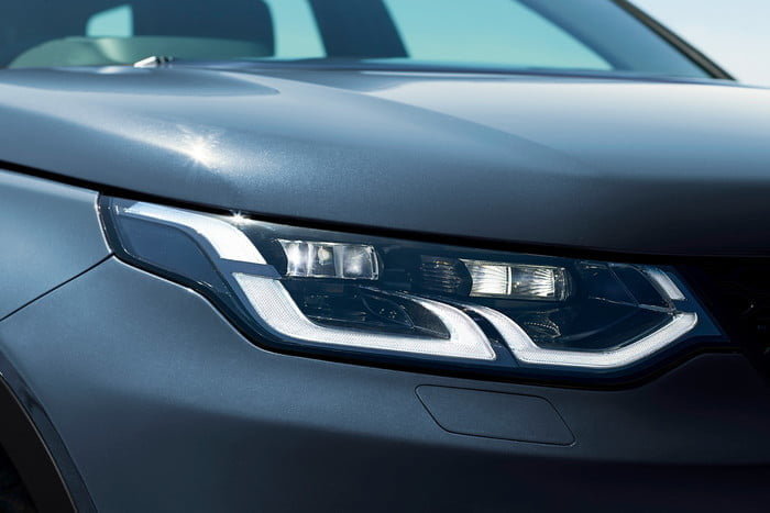 land rover discovery sport 2020 lrds20mydetails44210519003 700x467 c