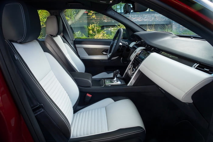 land rover discovery sport 2020 lrds20myinteriornd210519002 700x467 c