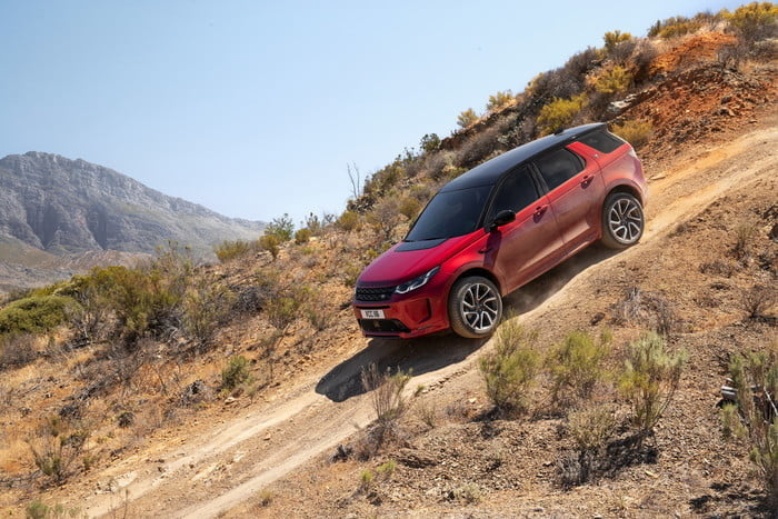 land rover discovery sport 2020 lrds20myoffroadnd210519001 700x467 c