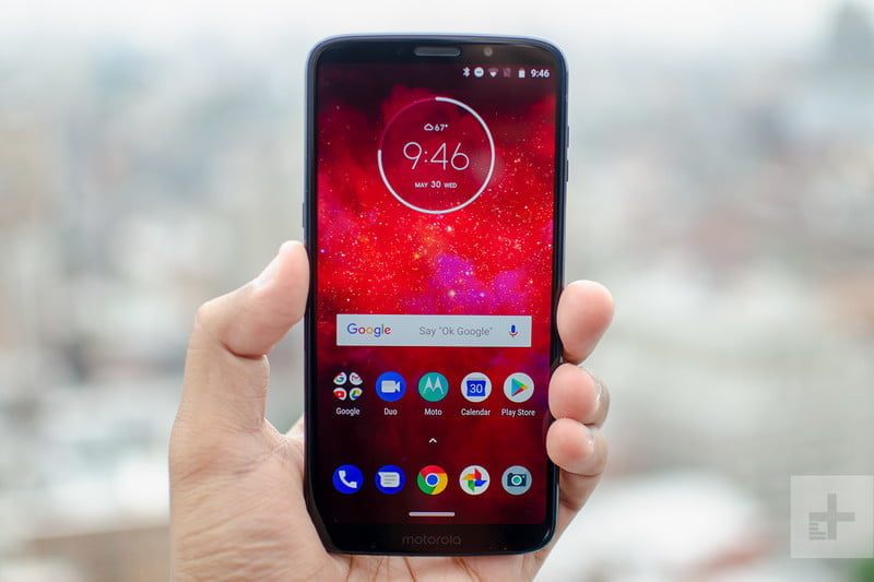 revision moto z3 play hands on front hero 800x533 c