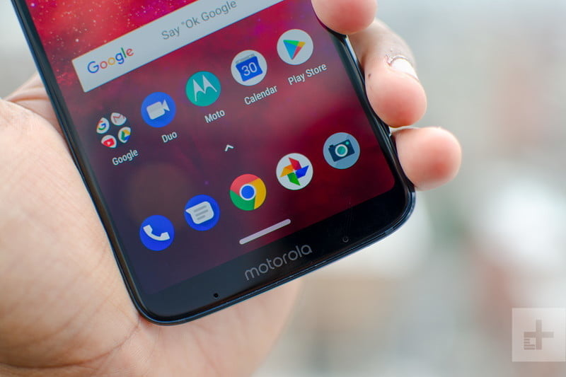 revision moto z3 play hands on home bottom half 800x533 c