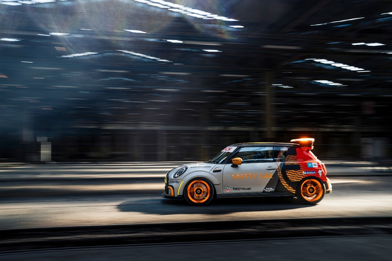 Mini Electric Pacesetter side