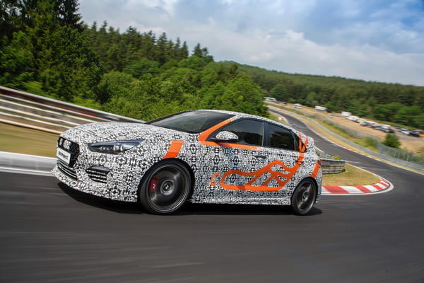hyundai i30 n project c driving front 4 600x400