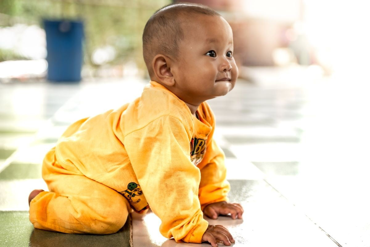 6 Useful tips to get your baby crawling faster | NewFolks
