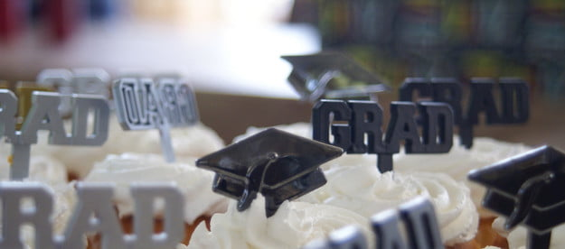 Cupcakes with graduation decorations