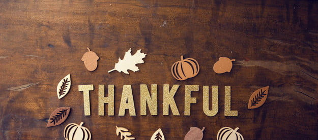 3 centerpieces kids can make for thanksgiving table thankful fall background
