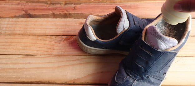 does baking soda work to remove shoe odor powder into shoes